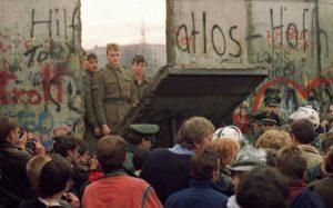 29 χρόνια από την πτώση του τείχους – Αναγκαίο ένα νέο κύμα ευρωπαϊκής ενοποίησης