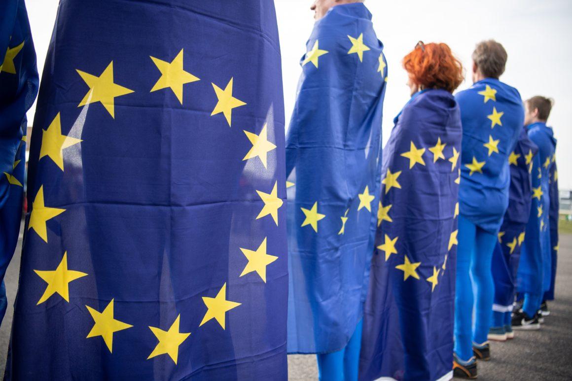 Το ευρωκοινοβούλιο πατάει πόδι για τη σωστή σύνθεση της Ευρωπαϊκής Επιτροπής